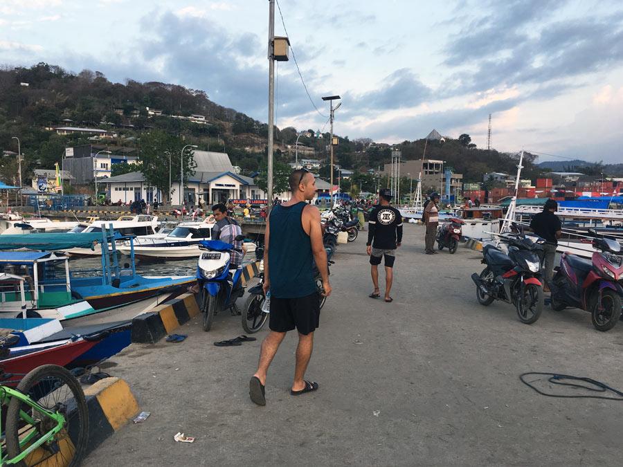 Labuan Bajo harbour boats komodo liveaboard
