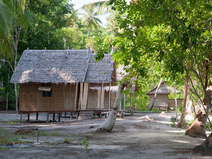 Tau Yado House Raja Ampat homestay gam island beach bungalow