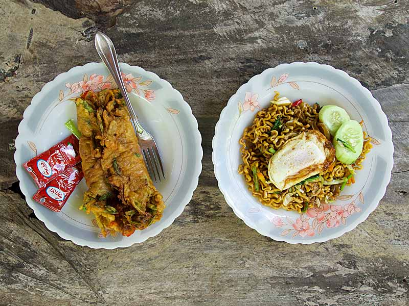 Mie Goreng puyung hay Indonesian food