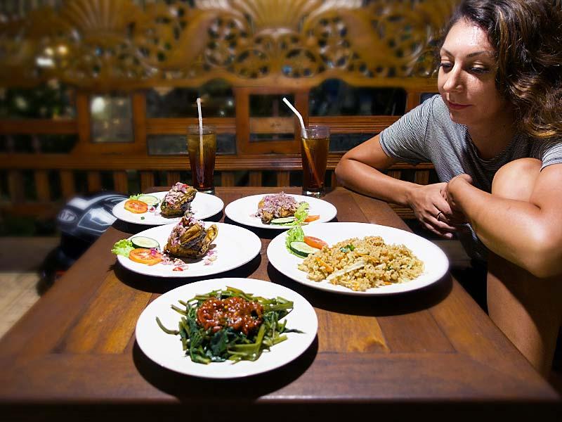 finding cheap eats in Ubud